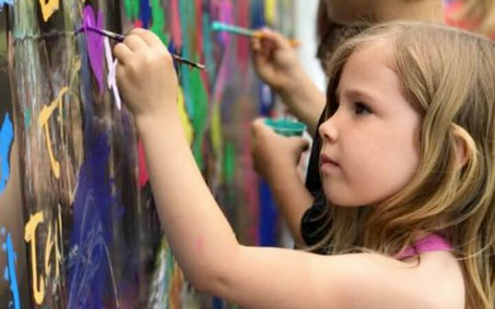 kids painting wall